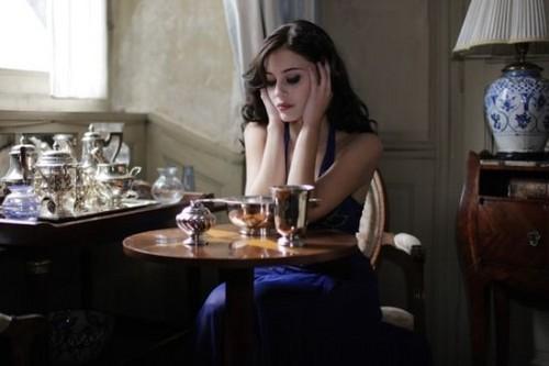 如果硬要說差哪邊、就是影陪小姐不用喝酒、酒店工作會喝到酒。