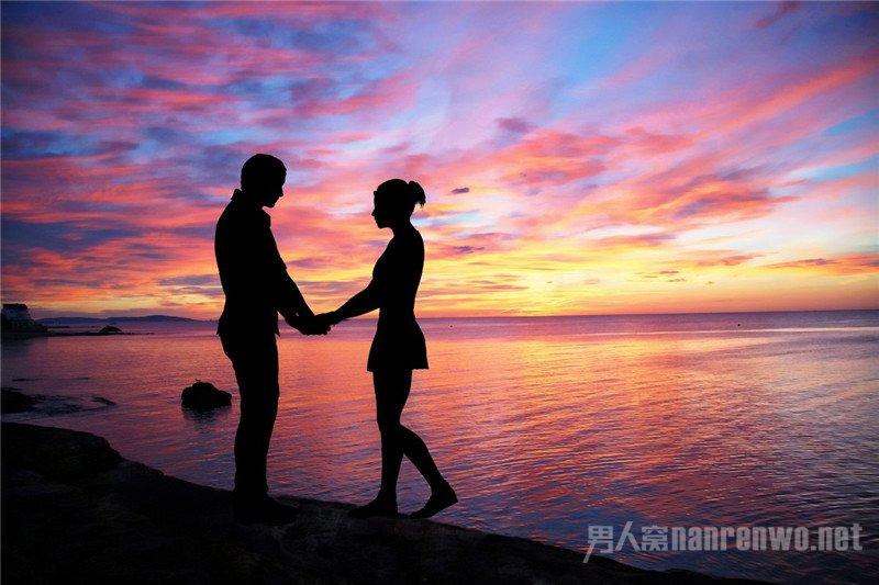 戀愛中女生該不該主動 以退為進才是上策